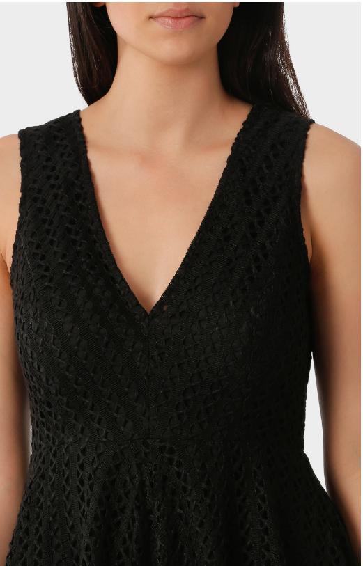WAYNE V Neck Fit Lace Black